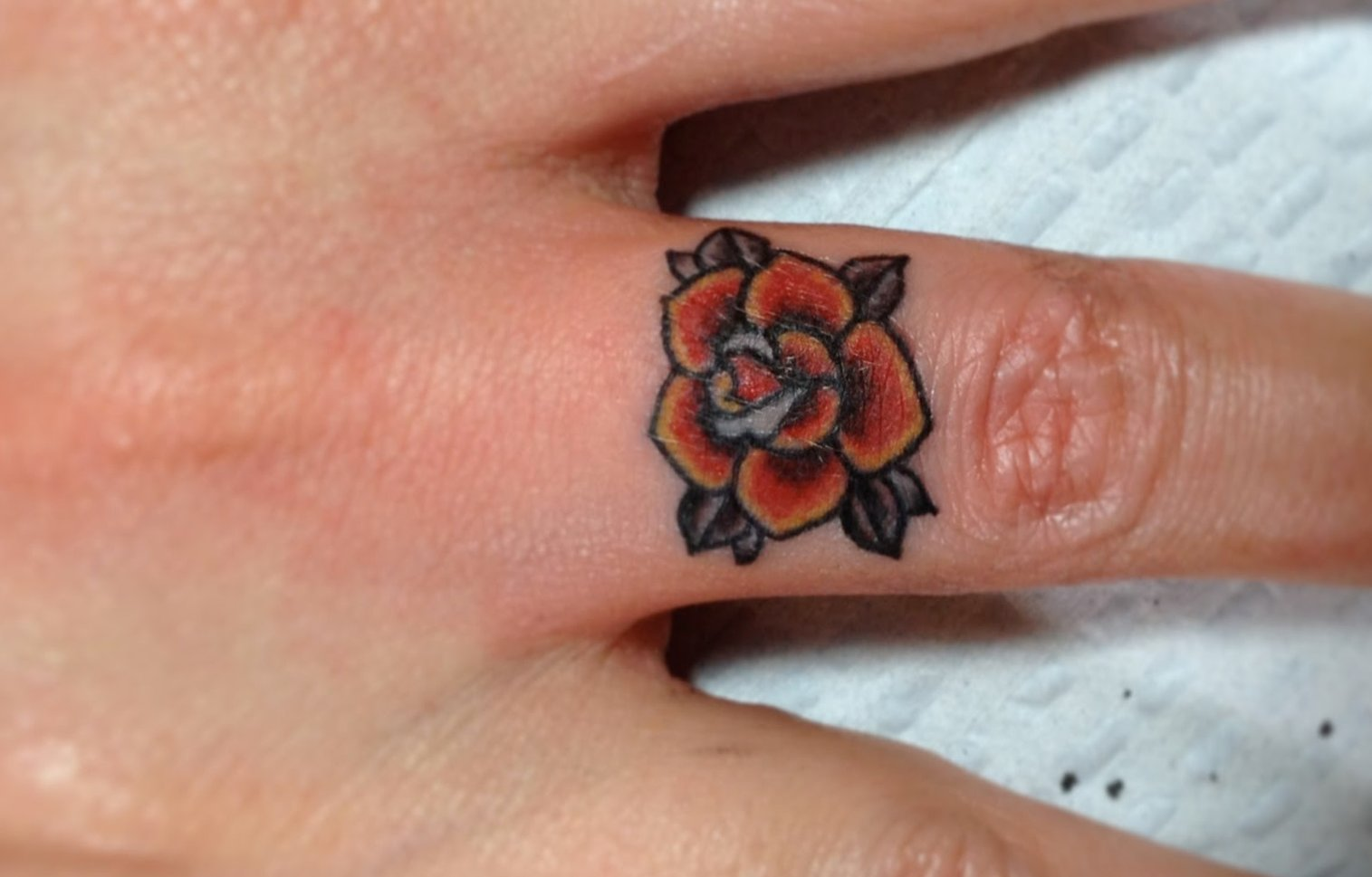 Kleine Blumen Tattoos alletattoo.de 22