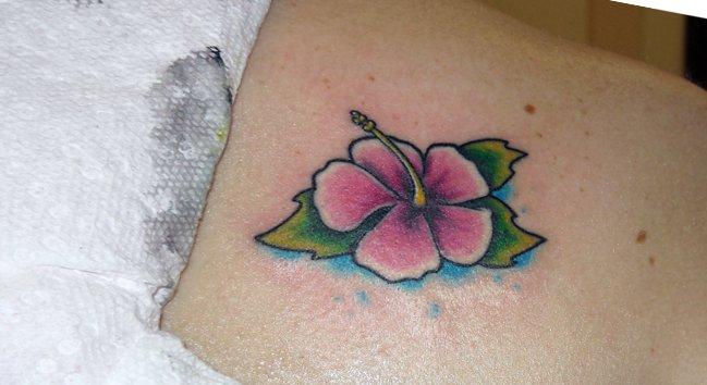 Kleine Blumen Tattoos alletattoo.de 3