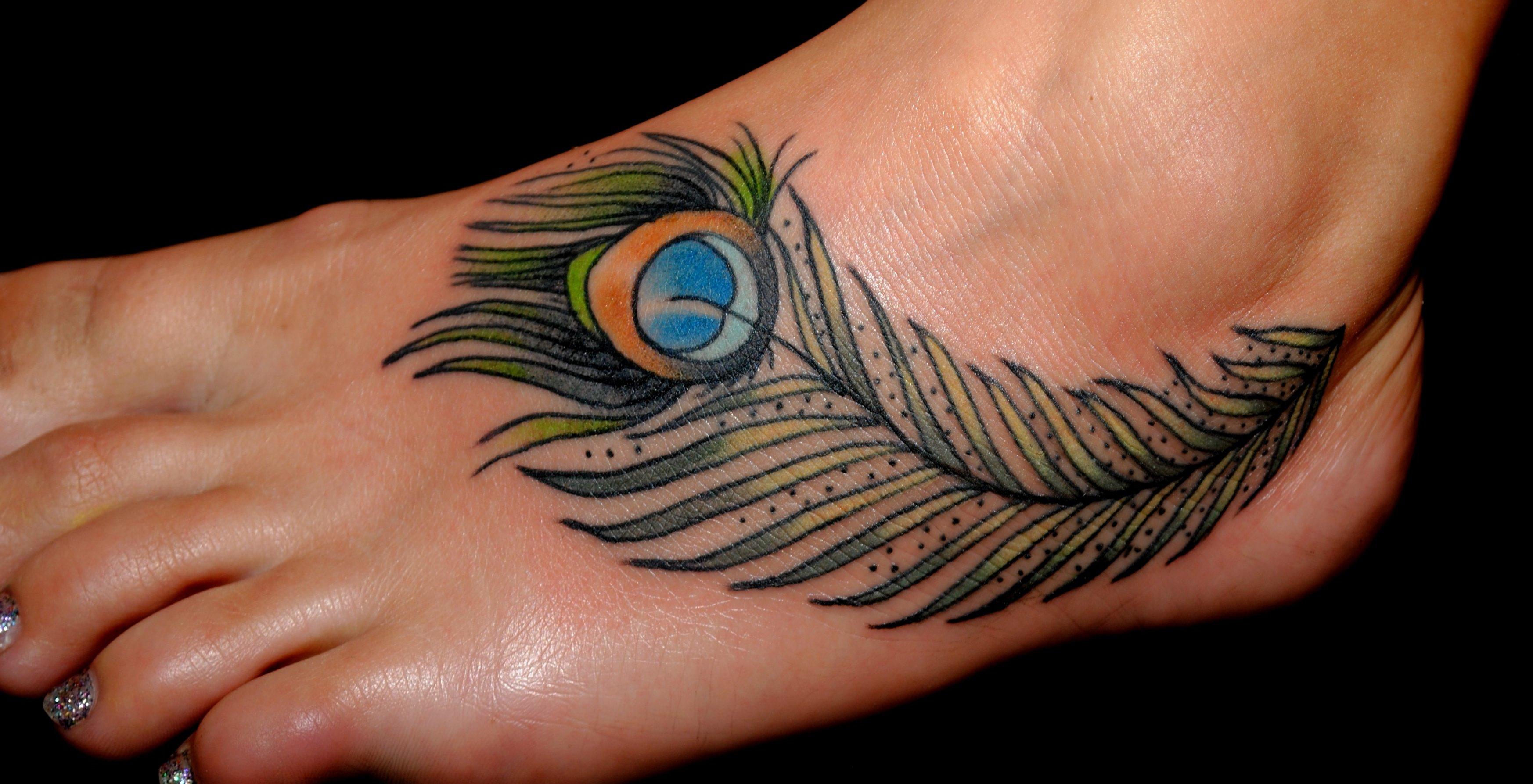 Pfau Tattoo Motive und Pfauenfeder Tattoo Bedeutung