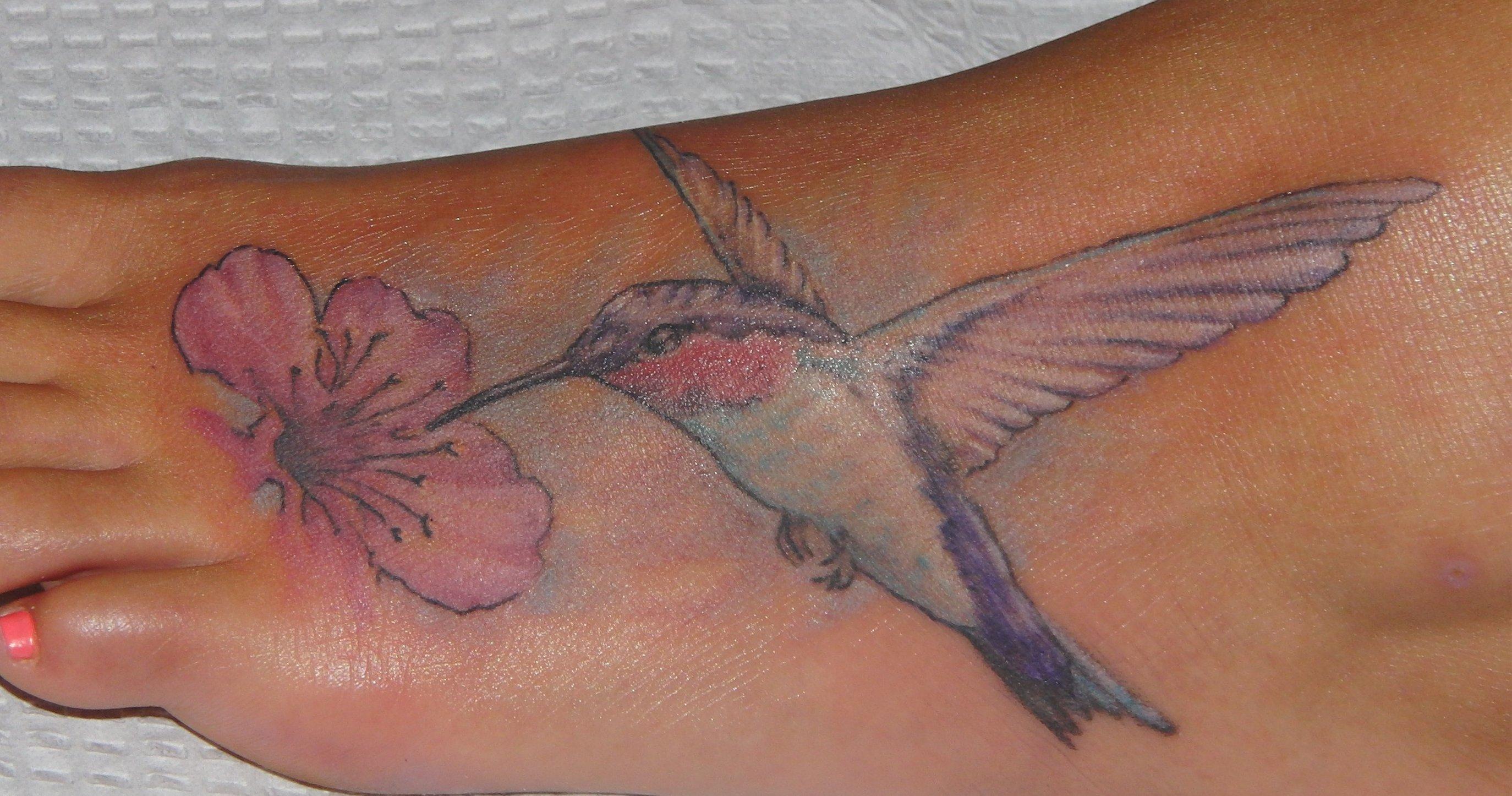 Kolibri Tattoo Motive und deren Bedeutung alletattoo.de 35