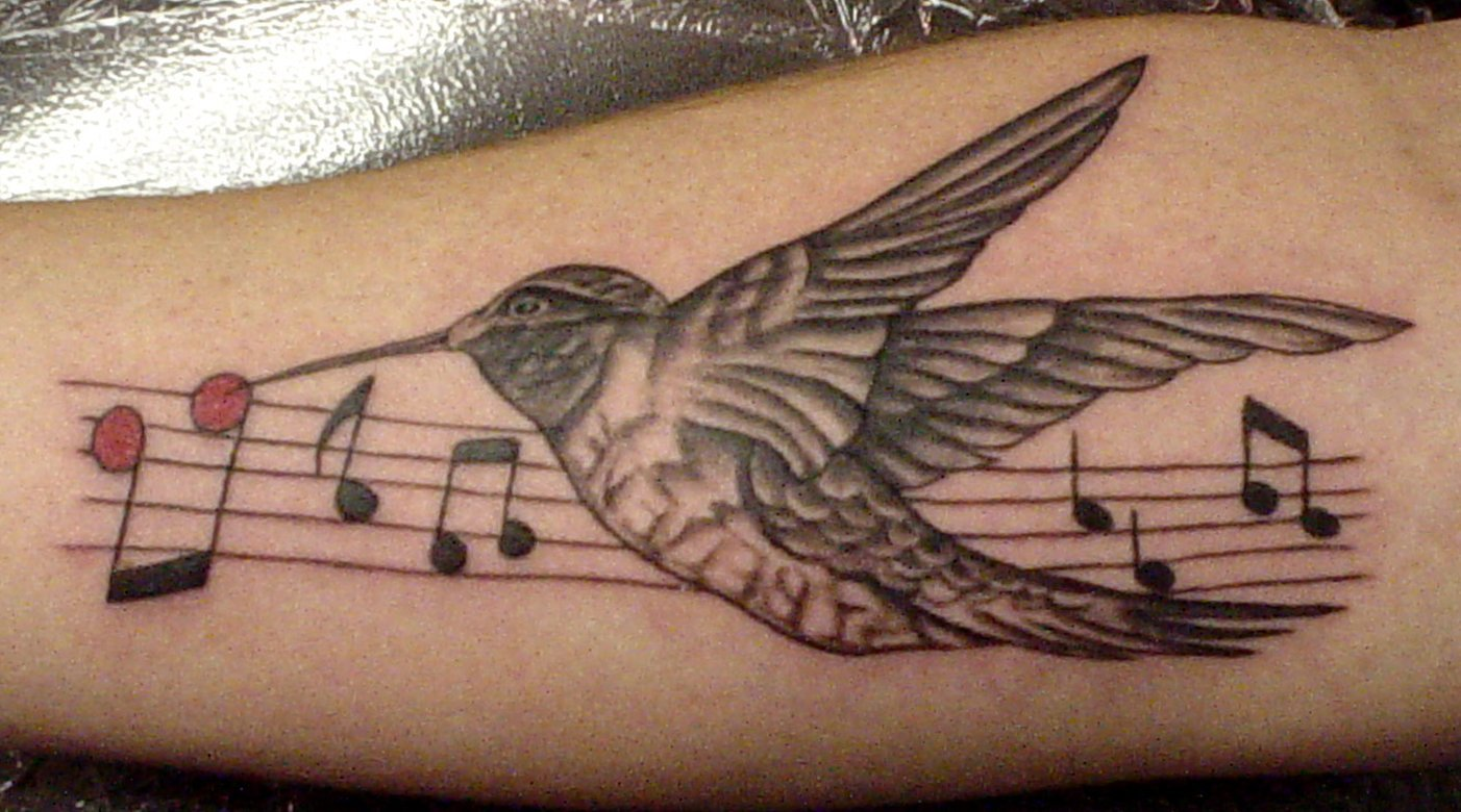 Kolibri Tattoo Motive und deren Bedeutung alletattoo.de 21