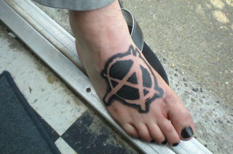 Anarchie-Symbol Tattoos und die Bedeutungen alletattoo.de 8