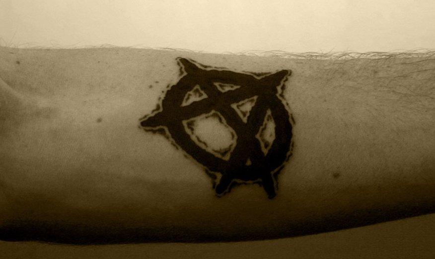Anarchie-Symbol Tattoos und die Bedeutungen alletattoo.de 3