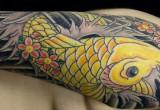 Gelbe Koi Karpfen Tattoo