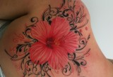 Hawaii Blumen Hibiskus Tattoo Am Ruecken 2