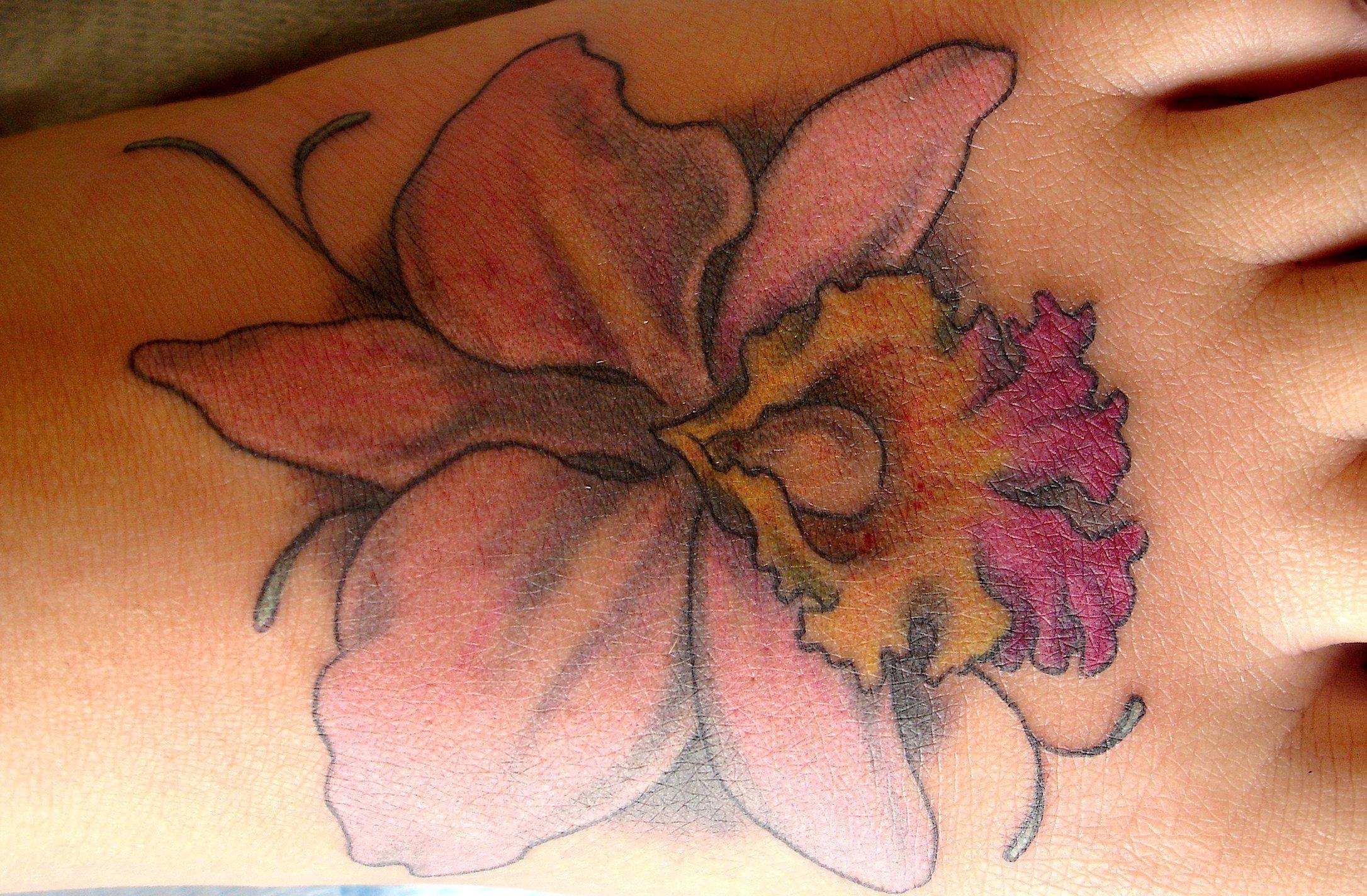 Hawaii Blumen Tattoos – Designs und deren Bedeutung alletattoo.de 20