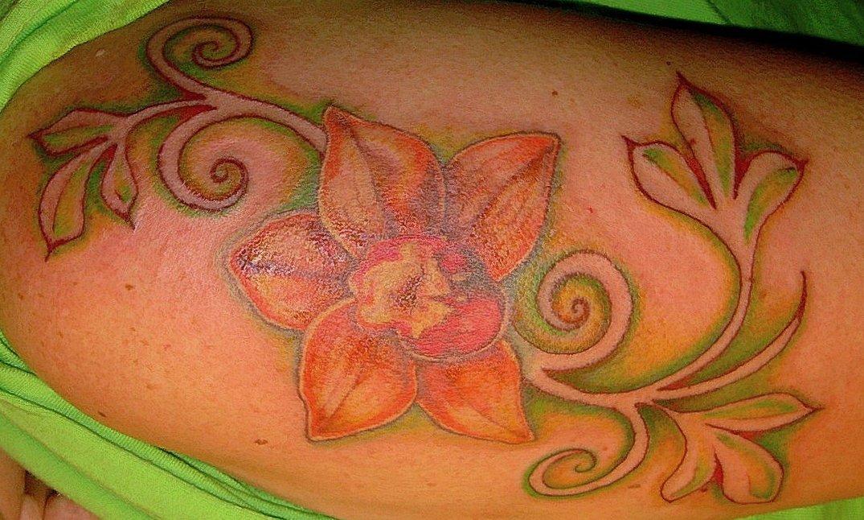 Hawaii Blumen Tattoos – Designs und deren Bedeutung alletattoo.de 19