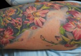 Hawaii blumen orchidee als tattoo armel