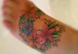 Hawaii blumen plumerias tattoo am fuss