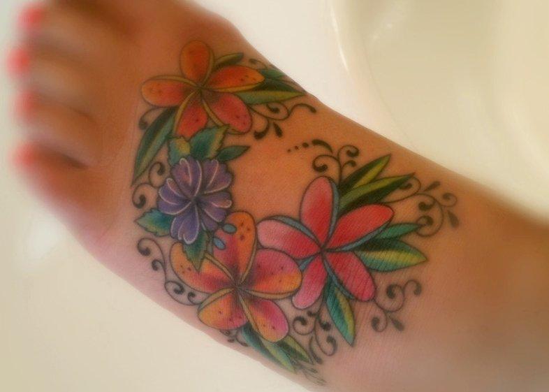Hawaii Blumen Tattoos – Designs und deren Bedeutung alletattoo.de 15