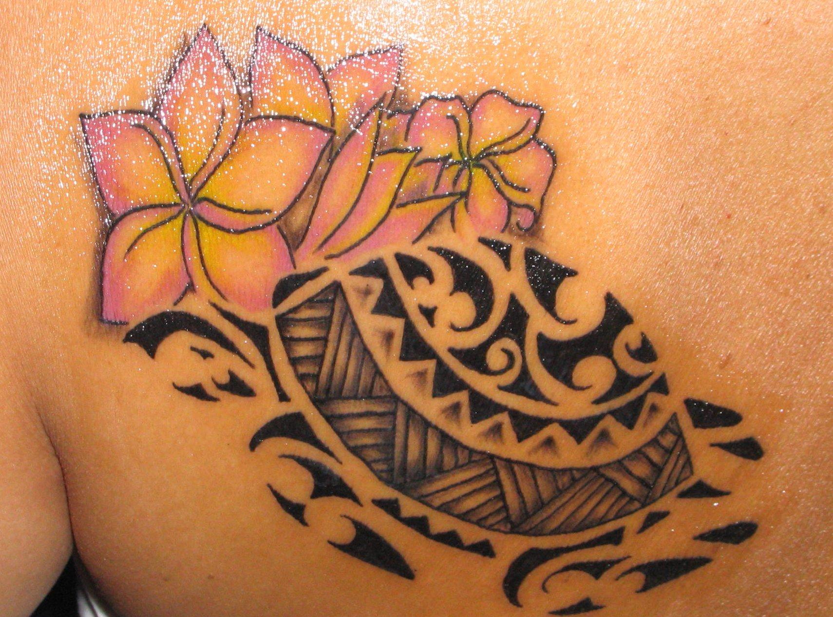 Hawaii Blumen Tattoos – Designs und deren Bedeutung