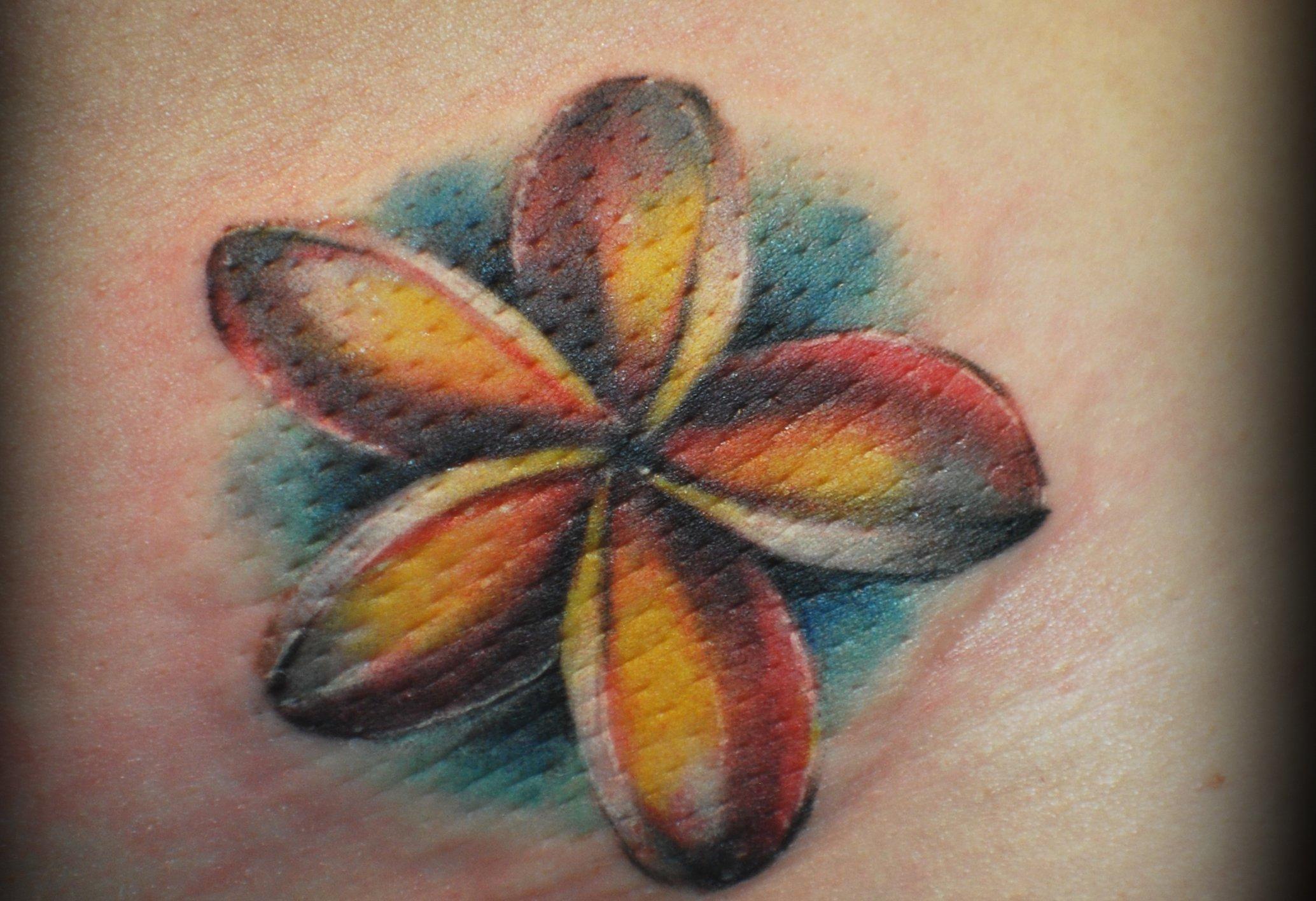 Hawaii Blumen Tattoos – Designs und deren Bedeutung alletattoo.de 9