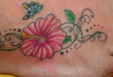Hawaii Hibiskusblueten Tattoo Am Fuss
