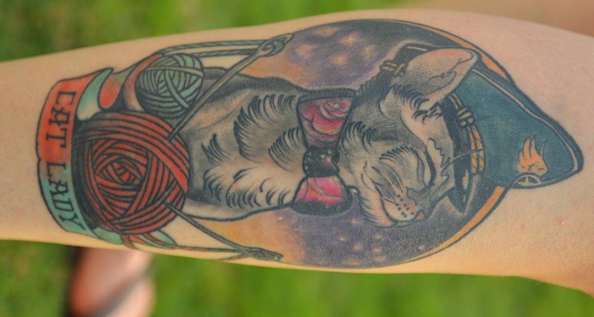 Katze-Tattoo-fuer-das-Bein