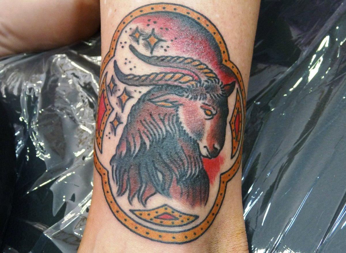 Steinbock Sternzeichen Tattoos